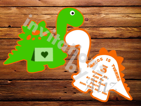 Invitación en forma de dinosaurio, hecha a mano.